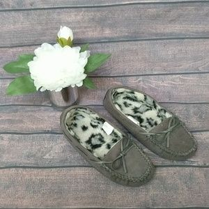 ✨3/$10✨ SO   Gray Moccasins